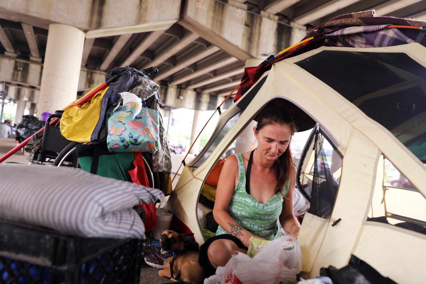 6012-0812_homeless_kg_001